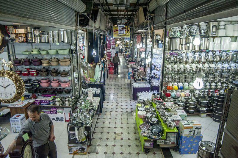 بازار انقلاب کرج یکی از مراکز خرید و جاهاي ديدني كرج