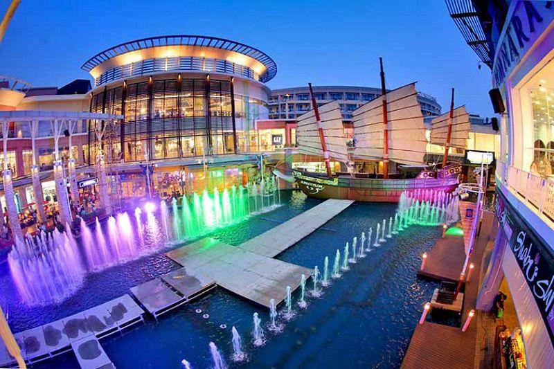مرکز خرید جانگ سیلون هنگام سفر به تایلند در خرداد