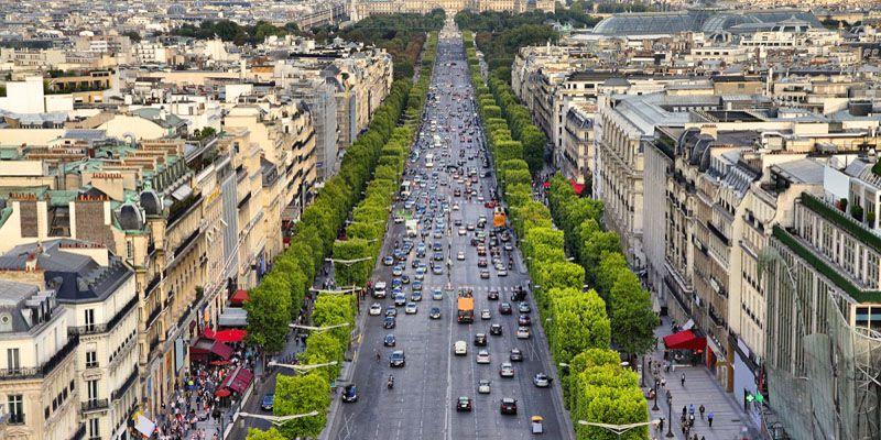 اگر سفر 5 روزه به پاریس پیش رو دارید، حتما سری به شانزه لیزه بزنید.