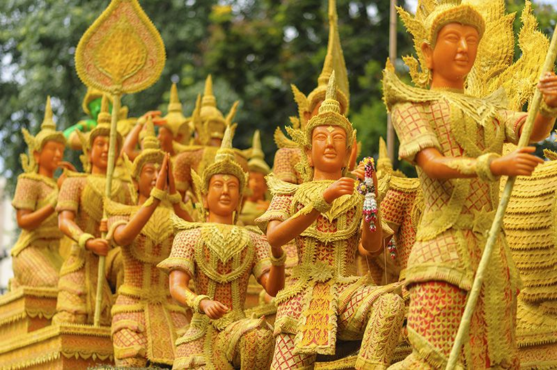 فستیوال شمع تایلند هنگام سفر به تایلند در تابستان