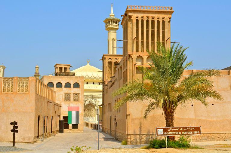 بستکیه منطقه ای که در سفر به دبی با کشتی باید دید.