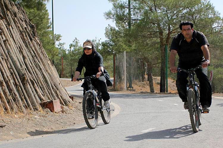 پارک چیتگر دوچرخه سواری