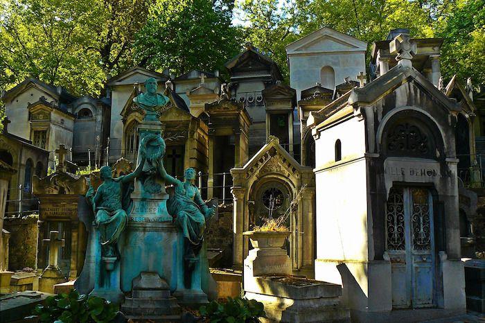 قبرستان پرلاشز از جاهای دیدنی پاریس