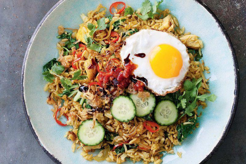 ناسی گورنگ از غذای بالی