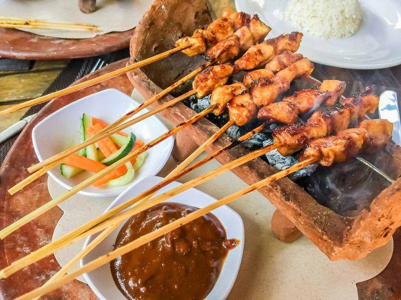 ساتای از محبوب ترین غذاهای جزیره بالی