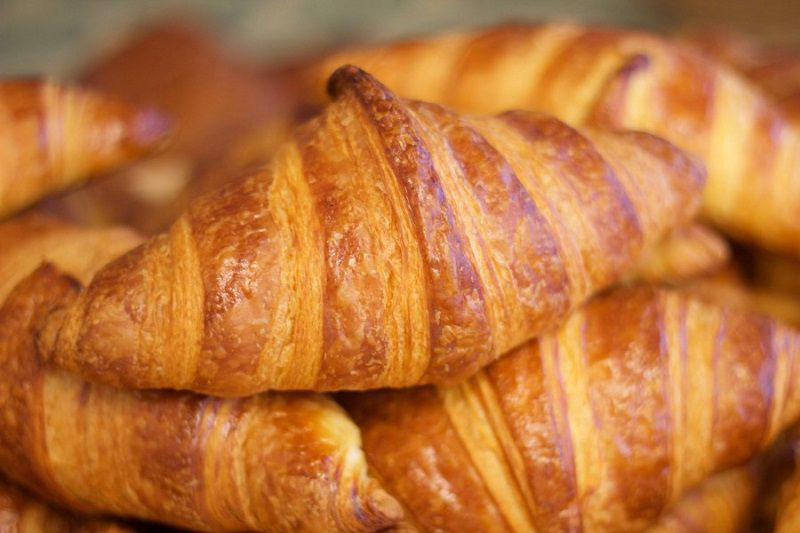 کرواسان؛ نوعی شیرینی معروف پاریس