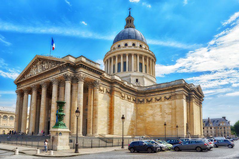 تورها شما را به پانتئون راهنمایی می کنند. هزینه سفر به پاریس با تور آنقدرها زیاد نیست.