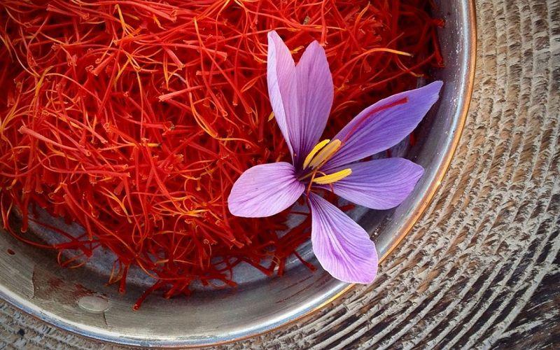 زعفران از محبوب ترین سوغات ایران به کانادا است.