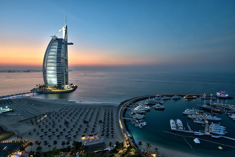 برج العرب هنگام سفر به دبي در ماه رمضان