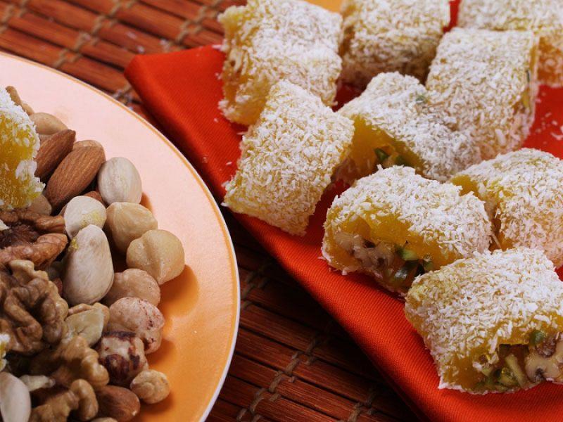 باسلوق یکی از سوغات ايراني است.