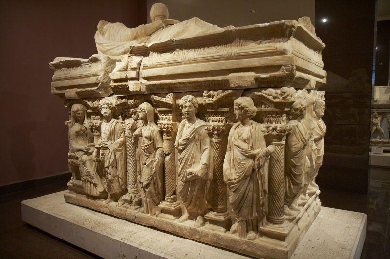 موزه باستان شناسی آنتالیا هنگام سفر به آنتالیا در مهر ماه