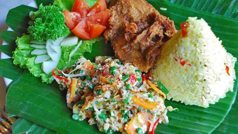 آیام بتوتو از غذاهای محلی بالی