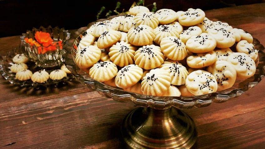 اگر به دنبال سوغات ایران خوراکی هستید، از نان برنجی فراموش نکنید.