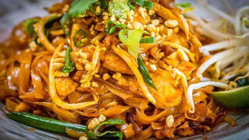 پد تای از محبوب ترین غذاهای تایلند