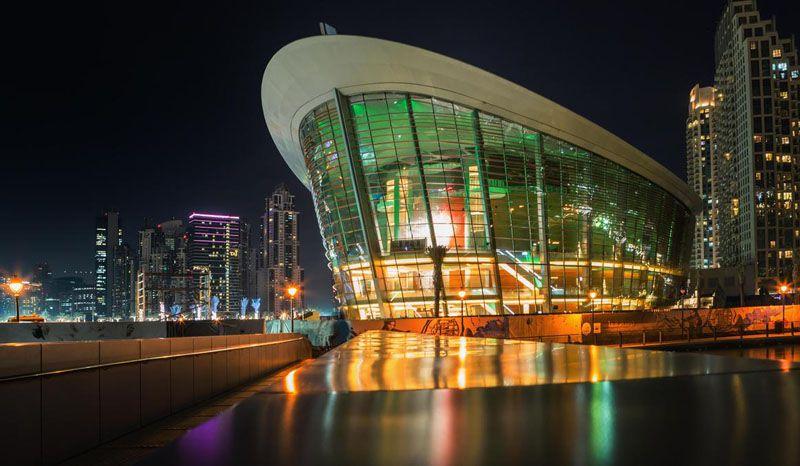 در مسافرت به دبی در تابستان حتما سری به اپرای دبی بزنید.