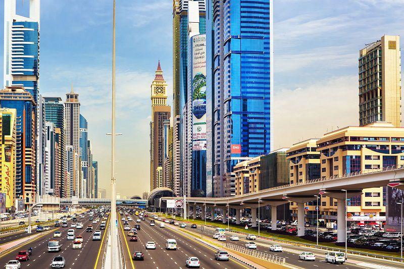 جاده شیخ زاید هنگام سفر به دبی در ماه رمضان