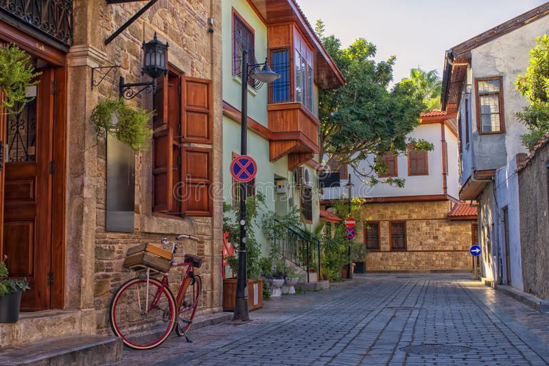 نمایی از Kaleiçi شهر قدیم آنتالیا - راهنمای سفر به آنتالیا ترکیه