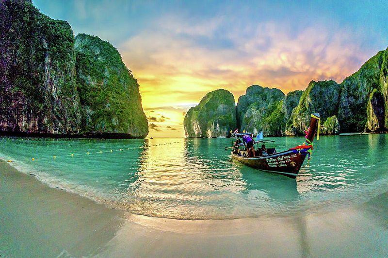 خلیج مایا از جاهای دیدنی تایلند عکس