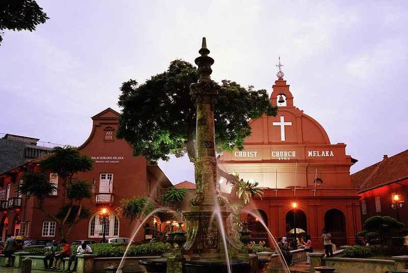کلیسای مسیح هنگام مسافرت به مالزی در تابستان