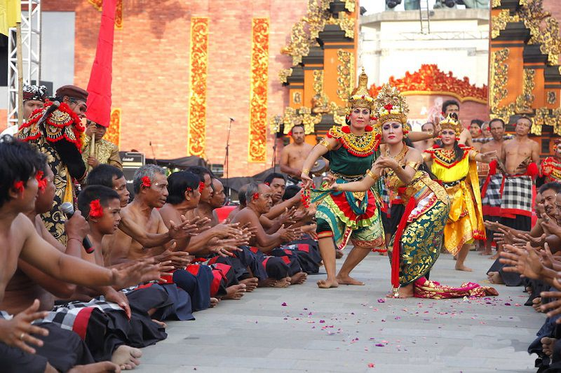 فستیوال نوسا دوئا هنگام سفر به بالی در تابستان