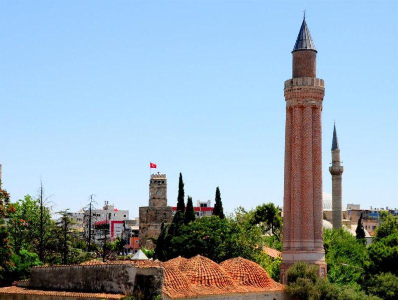 منارهی ییولی (Yivli Minare) - راهنمای مسافرت به آنتالیا