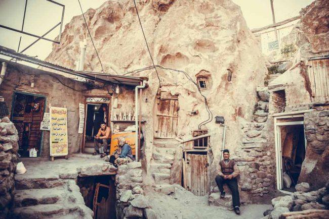سفر به روستای تاریخی و عجیب کندوان