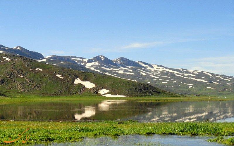 نئور اردبیل ، دریاچه نئور در کوه باغرو اردبیل